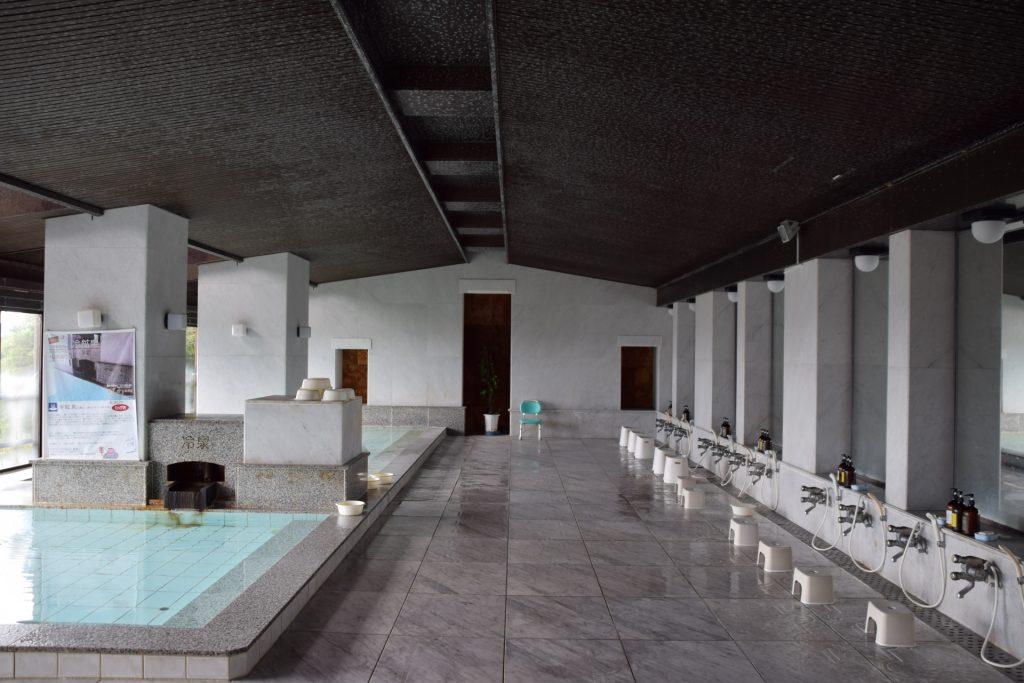 スポーツジムの大浴場 イメージ図