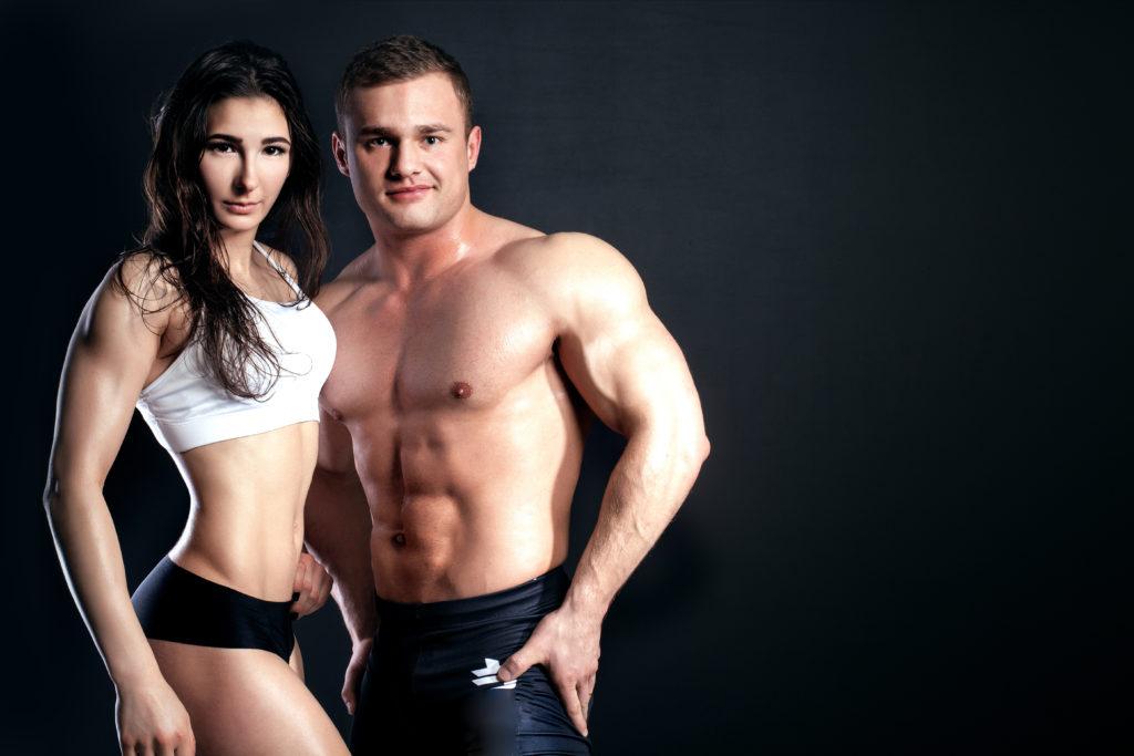 鍛え抜かれた肉体のカップル