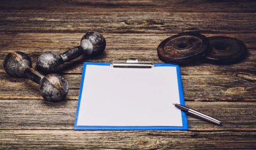 トレーニング道具とメモ用紙