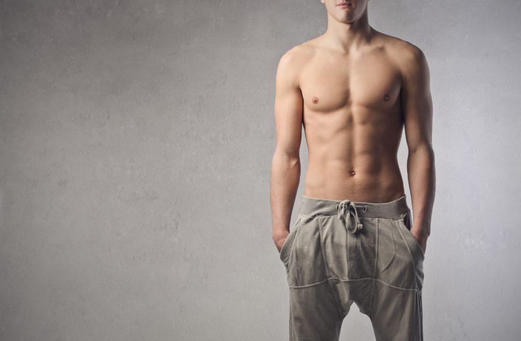 筋肉の美しい男性