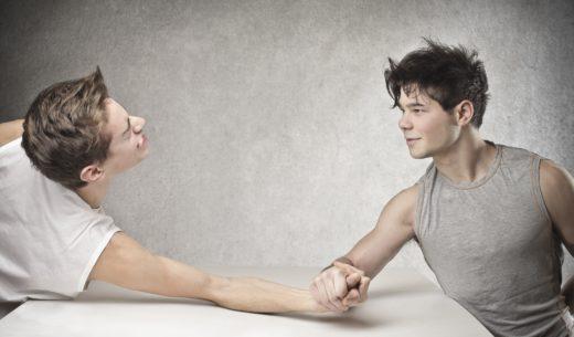 腕相撲の決着