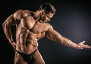 筋肉むきむきな男性