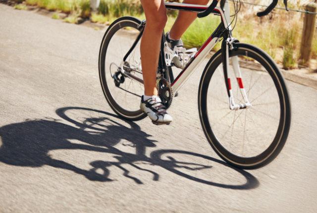 自転車でトレーニング