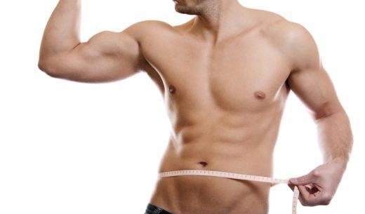 腹筋の発達した男性