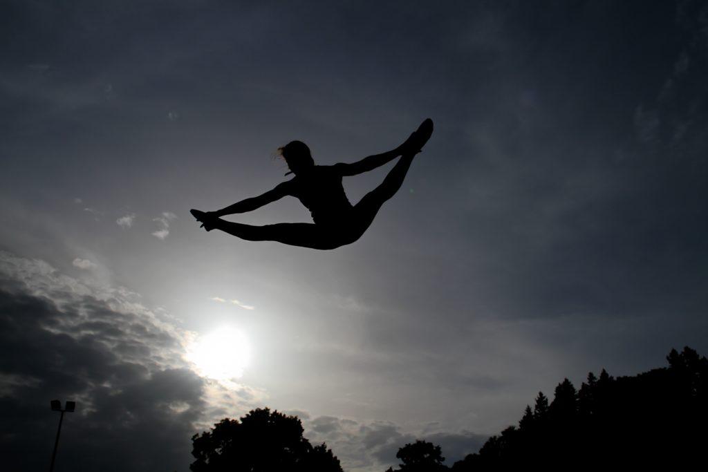トランポリンでハイジャンプ