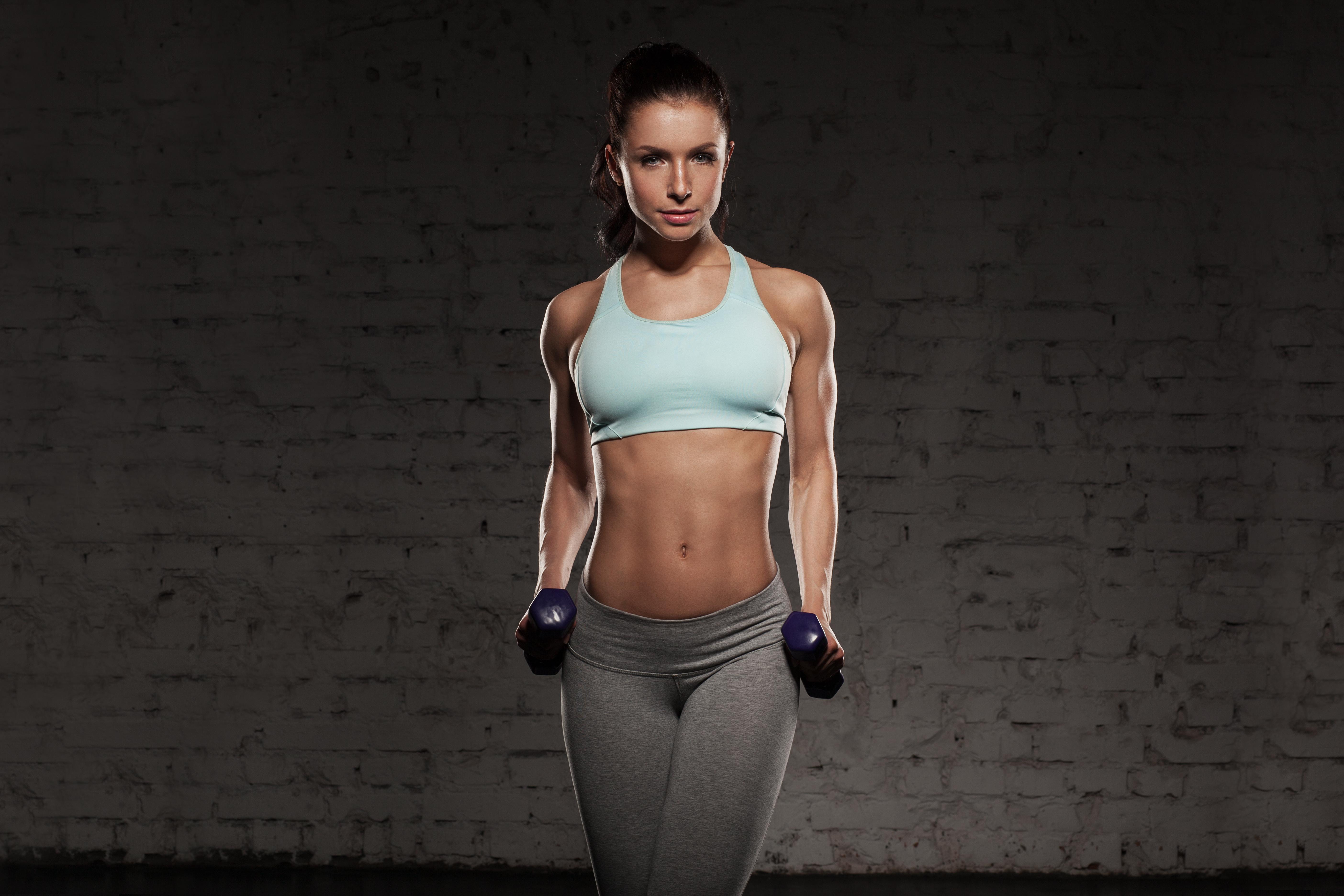 筋肉の美しい女性