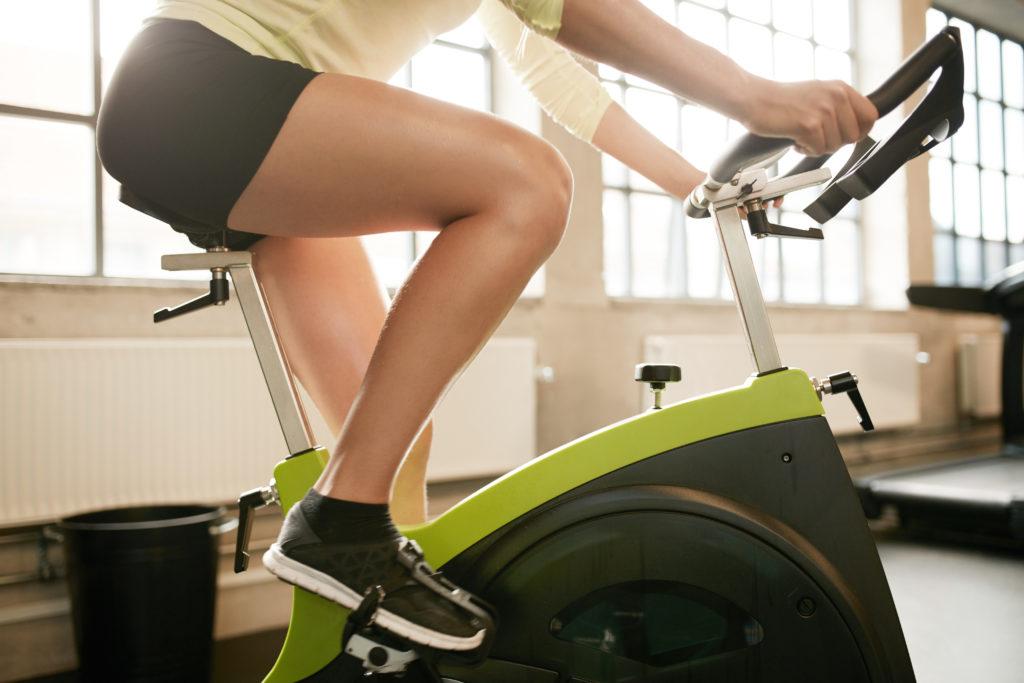 プログラムバイクとエアロバイクは何が違うのか?