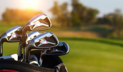 ゴルフクラブとクラブケース