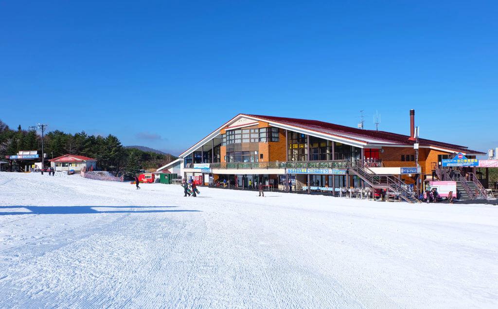スキー場、休憩所