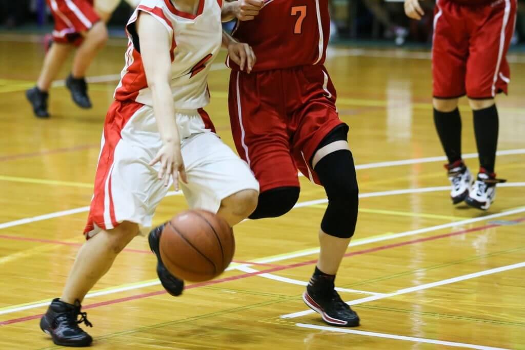 女子バスケット選手