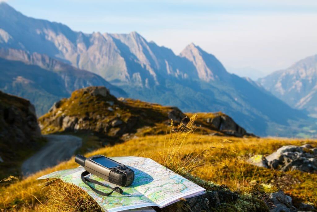 登山用GPSとアルプス山脈