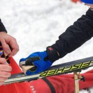 スキーワックスを塗る