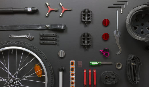 自転車のパーツと修理道具