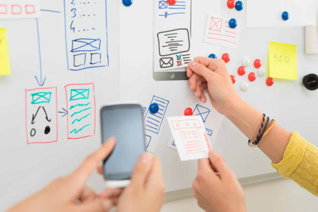 Webサイトのデザインをするデザイナー