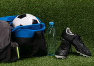 サッカーバッグおすすめ人気ランキング12選を徹底比較!ボール収納できる大容量タイプはバックパックもおすすめ!選び方も解説